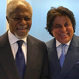 Tej Kohli and the Secretary-General of the United Nations, Kofi Annan.