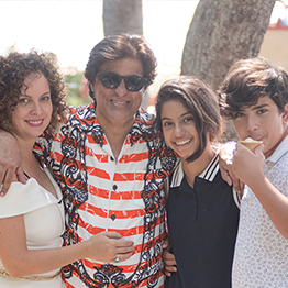 Tej Kohli with his wife Wendy Kohli and their children Kasia and Sean.